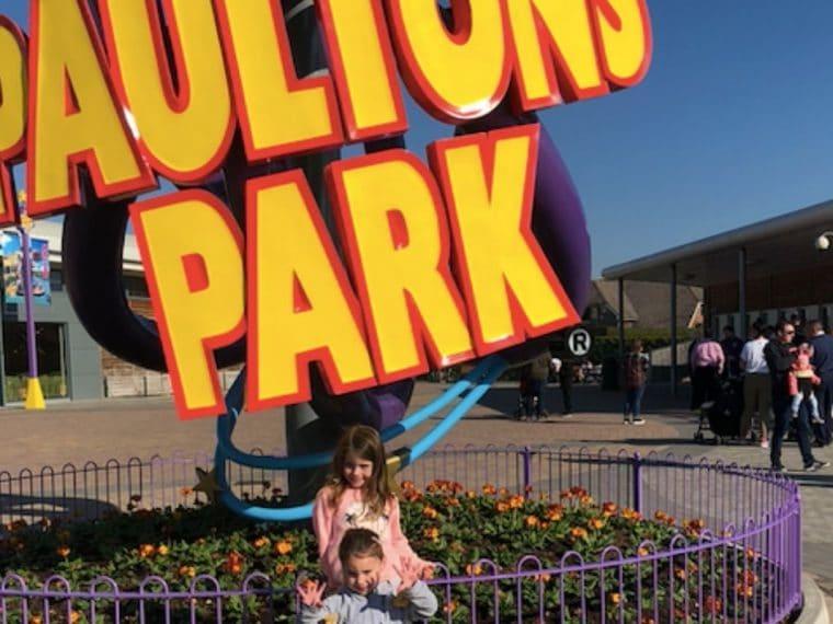 Paultons Park sign