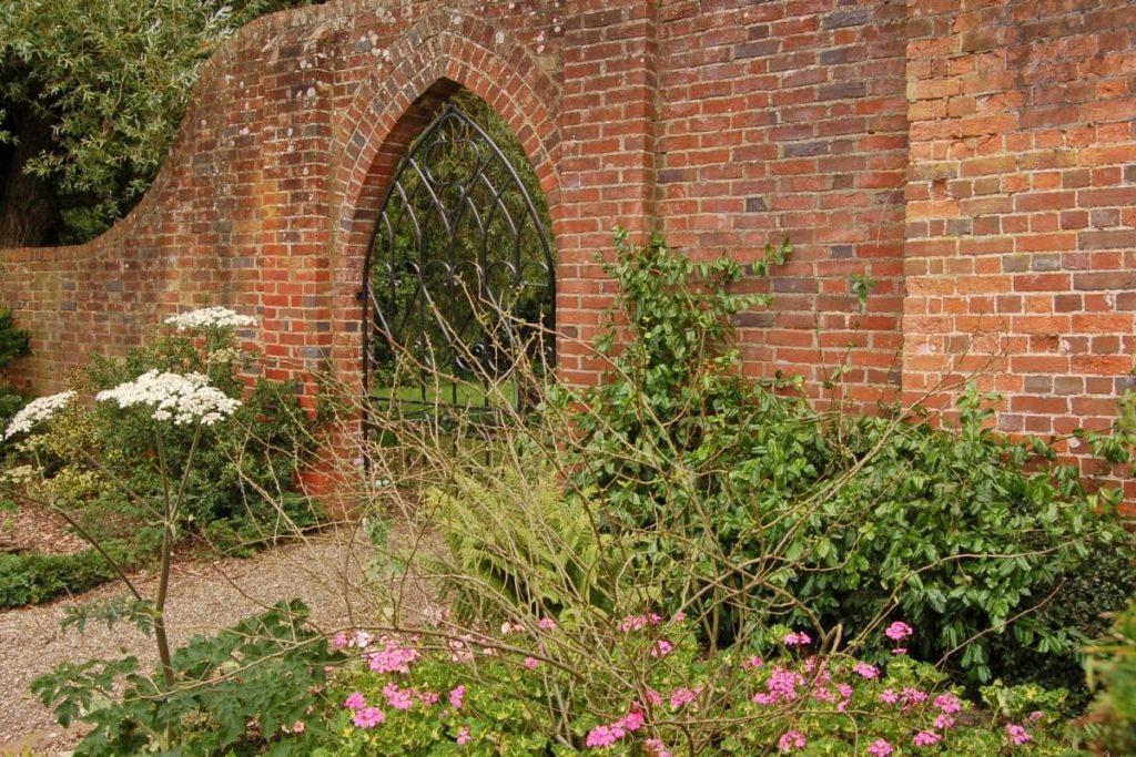 The Welled Gardens, Basingstoke